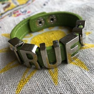 BCBG Green TRUE snap bracelet